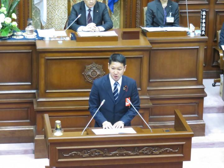 03 2月議会加藤写真 IMG_3471