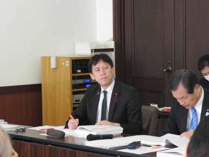 04 総務委員会写真(長島)IMG_5025